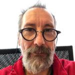Jean-Pierre, animateur de l'atelier d'initiation à l'informatique
